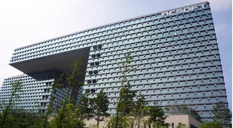 엔씨, '리니지쌍끌이'덕에 첫 매출 2조원대 돌파,창사이래 최대 실적